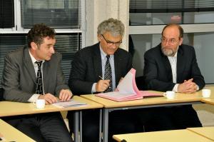 De gauche à droite : Jean-Christophe Pettier, directeur de l'Enssat, Jean-Claude Jeanneret, directeur général de l'Institut Mines-Télécom et Jacques Tisseau, directeur de l'Enib